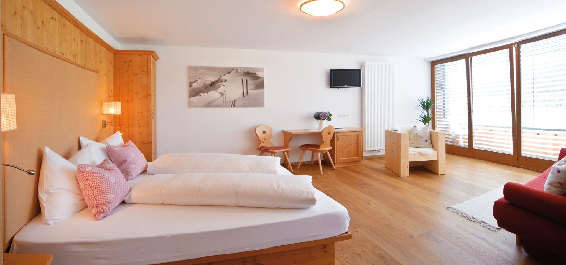 Verbringen Sie Ihren Urlaub in Innichen im Helm-Hotel - stilvolle ...